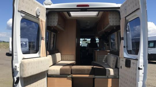 autosleeper peugeot boxer campervan. Black Bedroom Furniture Sets. Home Design Ideas
